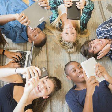 """Progetto """"Generazione Z"""" per la rilevazione dell'esperienza digitale dei minori (2016-oggi)"""